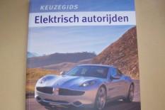 Boek elektrisch autorijden informeert consumenten en ondernemers