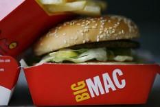 Gratis elektrische auto opladen tijdens bestellen Big Mac